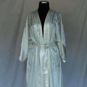 Vintage Victoria White Silk Robe